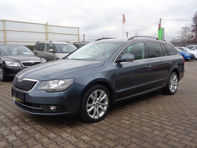 Škoda Superb 2,0 TDi 103KW DSG EXCLUSIVE NAVI XE