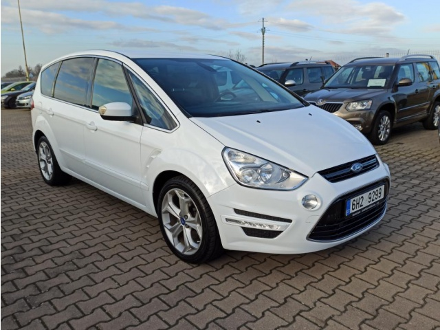 Ford S MAX 2.0TDCi 103kW POWER SHIFT 7.MÍST NA